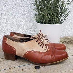 Vintage heeled loafers
